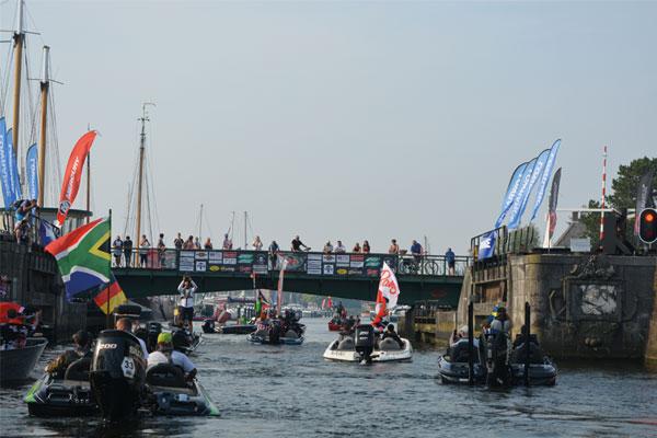 600x400-Boat-parade
